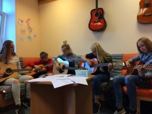 ukulele un gitarspele